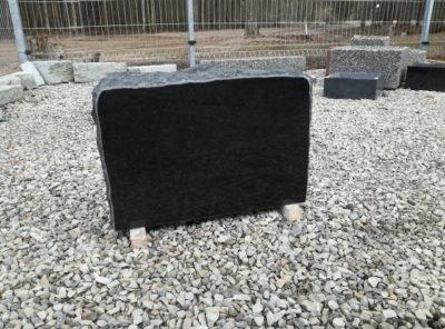 Hauakivi-gabro2-76x57x10cm