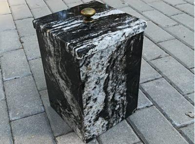 Kiviurn-Amadeus-18x27cm