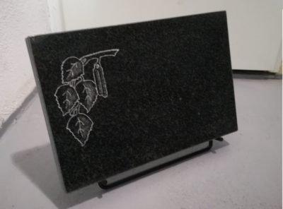 Надгробный-плит-мотив-березовая ветка-40x25x3см