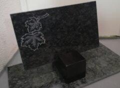 Надгробный-плит-мотив-кленовый лист-40x25x3см