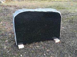 Памятник-pol-56x37x10см