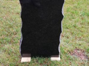 Hauakivi -kar1-38x70x10cm