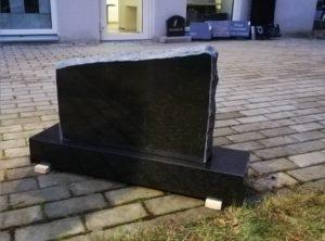 Hauakivi-Upol-56x36x10cm