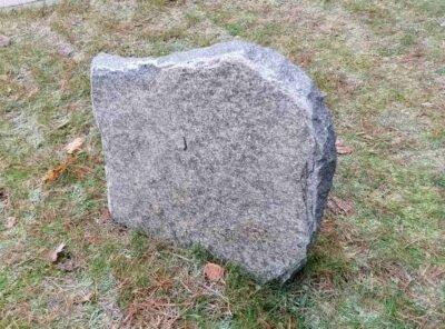 Hauakivi-G-48x46x8cm