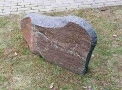 Hauakivi-K-82x43x13cm