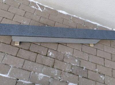 Темно-серый гранит 12×2,5см надгробный материал